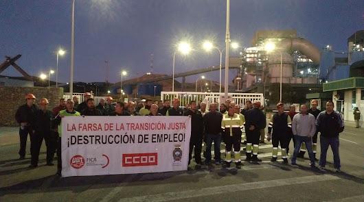 Trabajadores de una subcontrata de la central se manifiestan contra los despidos
