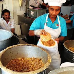 【グルメ】満腹でも見るだけで食べたくなるミャンマーのチャーハンとビリヤニ