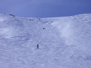 Photo: En más detalle, Jose sufriendo un poco en la pérdida de un esquí.