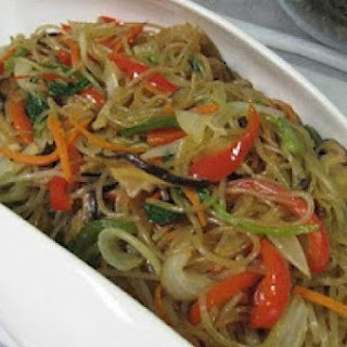 Japchae (Korean Glass Noodles w Vegetables).