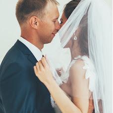 Wedding photographer Angelina Popova (AngelinaLinaGely). Photo of 16.03.2015