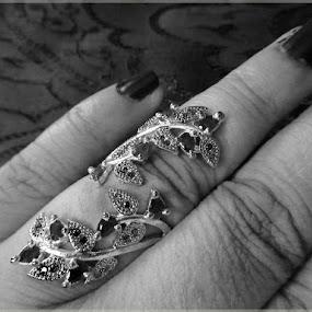 Anguriyo by Atreyee Sengupta - Artistic Objects Jewelry