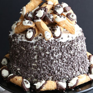The Best Cannoli Cake