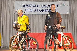 Photo: 4ème pédalée à Fontaine St Martin- 25/2/2012 Albert l'heureux gagnant d'un VTT