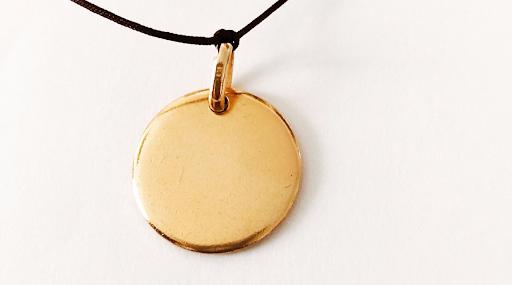 collier médaille en plaqué or