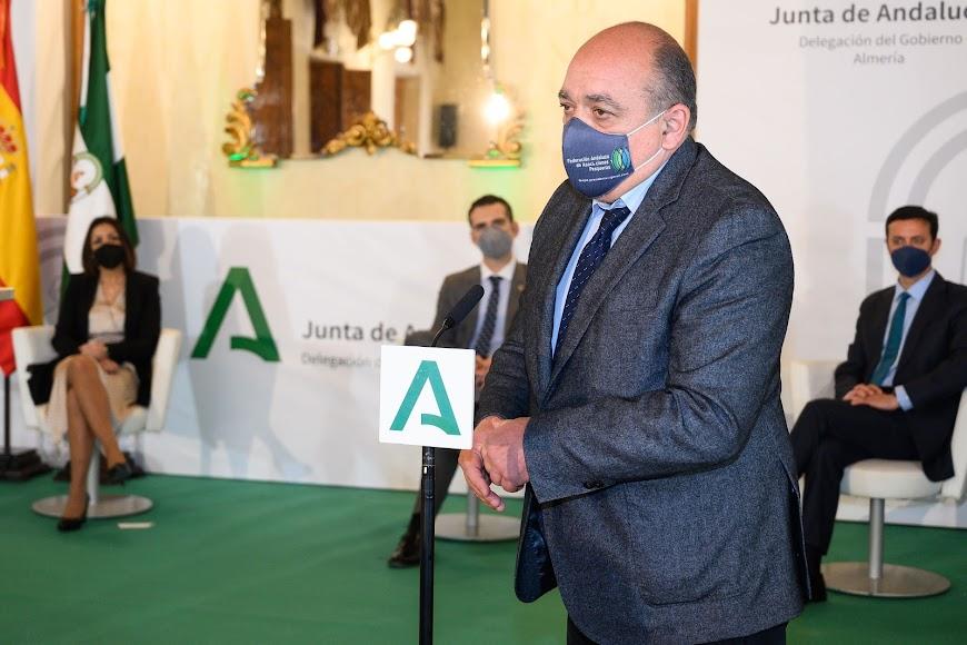 José María Gallart interviniendo en nombre del Proyecto Ecomares