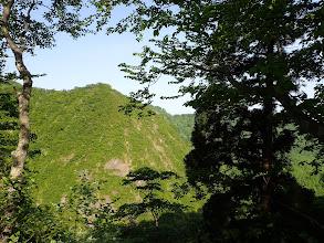 対岸の岩峰