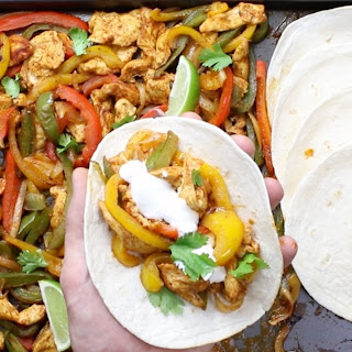 Easy Oven-Baked Sheet Pan Chicken Fajitas (with Video).