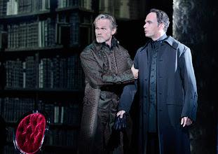 Photo: Wien/ Raimundtheater: MOZART - das Musical. Premiere 13.9.2015. Jon Geoffrey Goldsworthy,Thomas Borchert. Copyright: Barbara Zeininger