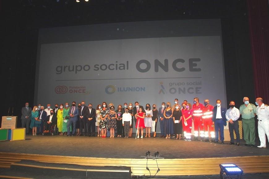 Foto de familia tras la finalización de la gala.