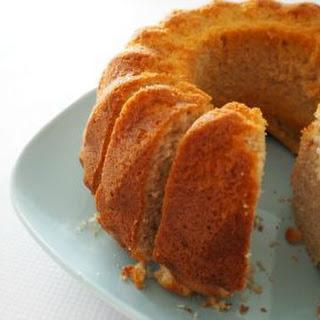 Simple Cinnamon Cake.
