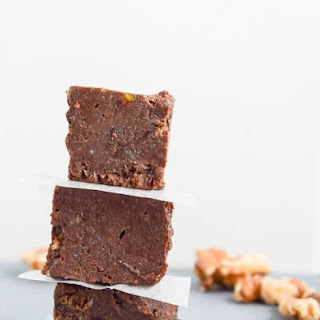 Brownie Batter Freezer Fudge (raw and sugar-free options)