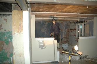 Photo: Svend skulle lige prøve at brække lidt mere loft ned, godt støvet.