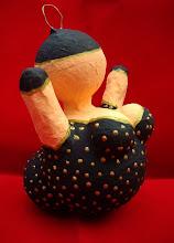 """Photo: """"Kerst Bengeltje"""" - zwart/goud   (voor in de kerstboom - 15 cm hoog) Materiaal: Polystyreen/Acrylverf"""