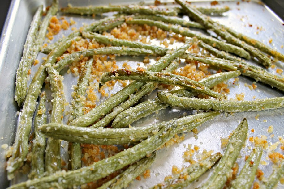 Quick and easy, this Roasted Parmesan Green Bean with Garlic has only 5 ingredients