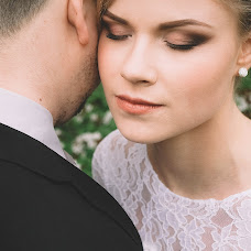 Wedding photographer Aleksandra Kapitanovich (alexandrusha). Photo of 03.05.2015