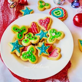 Eggless Christmas Cookies With Royal Icing / Sugar Cookies.
