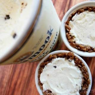 Mini Mint Chocolate Chip Ice Cream Pies Made with Tillamook