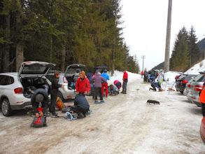 Photo: Arrivati in Val di Scalve,saliamo con le macchine alla località Fondi di Schilpario,dove parcheggiamo le auto nel parcheggio a pagamento.