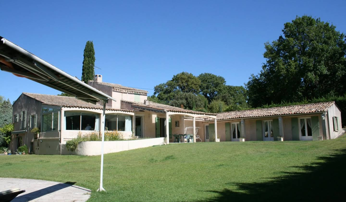 House with pool and terrace Robion