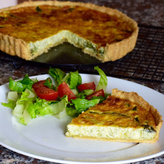 English Asparagus Quiche – Seasonal Veggie Delight