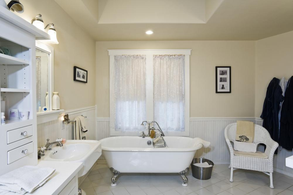 http://streaming.yayimages.com/images/photographer/moodboard/1cc55d90191a913b759eb4069e4dae83/bathroom-interior.jpg
