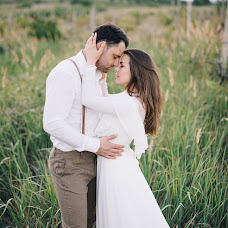 Wedding photographer Sergey Petkoglo (clicklovemd). Photo of 24.08.2017