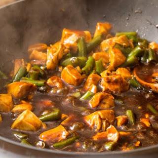 Spicy Garlic Chicken and Green Beans.