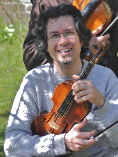 alain-pegeot-violoniste-recital-13-novembre-2014-espace-legendre-au-profit-de-l-arche-dans-l-oise