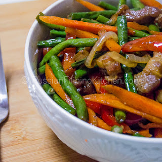 Ginisang Sitaw (Sauteed Long Beans With Pork).