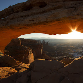 Mesa Arch by Stephen Berry - Landscapes Sunsets & Sunrises ( national park, arch, mesa, canyonlands, utah )
