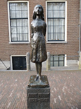 Photo: Statue of Anne Frank