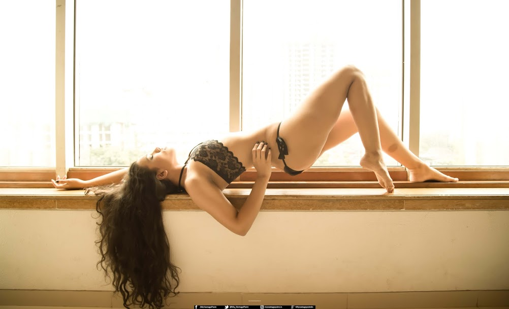 Shelly Chheda in bikini, Shelly Chheda sexy legs, Shelly Chheda hot legs, Shelly Chheda hottest photoshoot