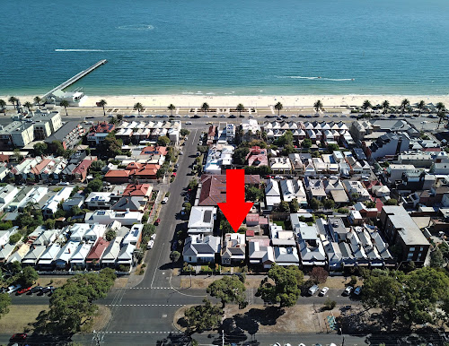 Photo of property at 142 Danks Street, Albert Park 3206