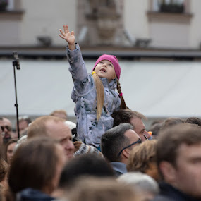 Looking Up by VAM Photography - People Street & Candids ( places, crowd, prague, girl, people )