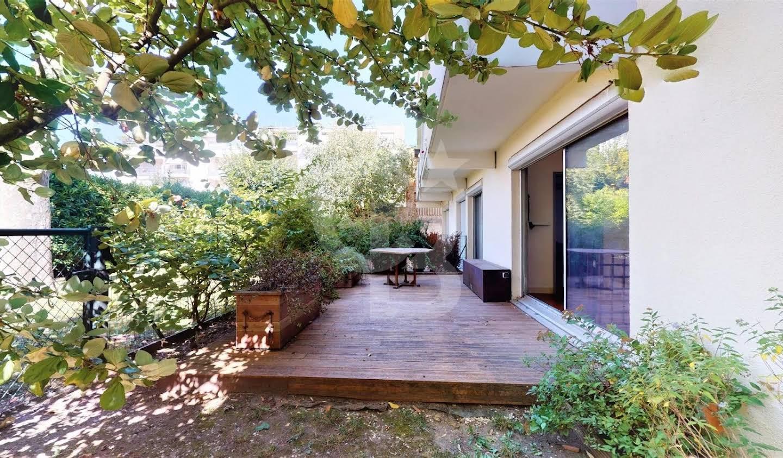 Appartement avec terrasse Montrouge