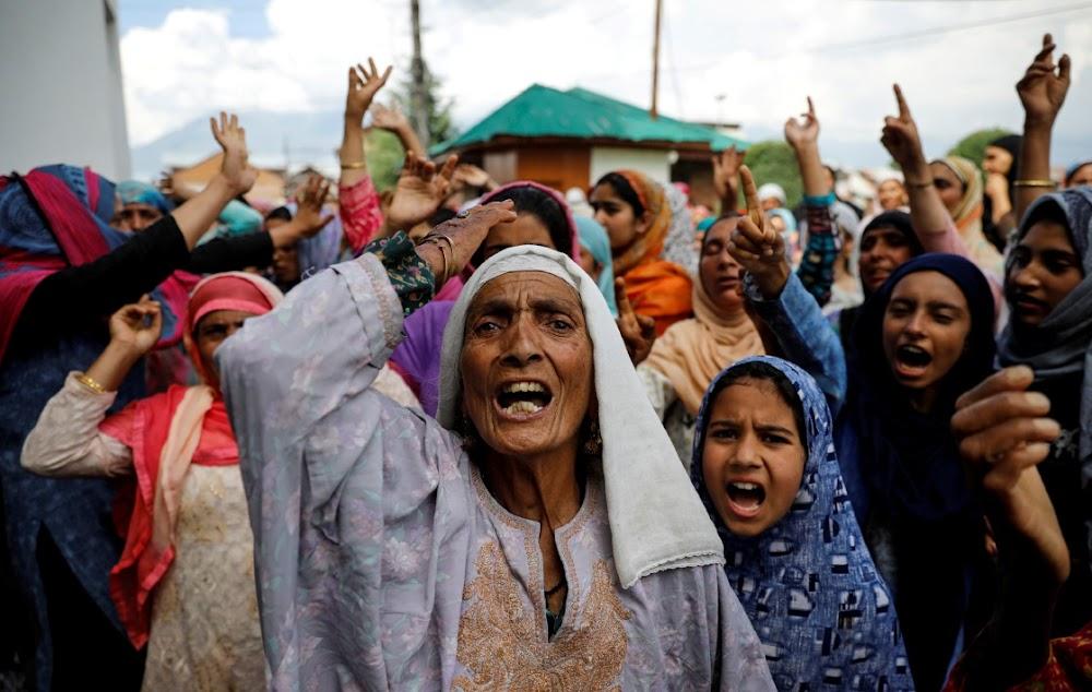 Indië beklemtoon streng reëls oor die moskees van Kasjmir om betogings te vermy, sê inwoners