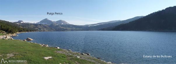 Photo: El embalse de les Bulloses situado en la parte más alta de la zona del Capcir tiene 149 hectáreas
