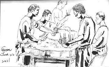 Photo: 串牙線棒2011.06.22鋼筆 監獄收容人工資每人每月約莫兩百出頭,在台灣應該找不到比這更低的法訂工資了,也難怪一些高度手工作業的廠商會找上門,諸如台北各大百貨名店的紙袋、灌泡泡水、小七的禮品包裝、原子筆組裝、牙線棒包裝…等等。每每看收容人從回收瓦楞紙箱裡把滿箱的牙線棒倒到桌上,再每人每手各拿三到四支竹筷子,就這麼在桌上重複像炒菜一樣的動作串起了牙線棒,接著徒手裝進透明盒子裡,這過程完全手工,而且沒有消毒,不知慣用牙線棒的人知道了,還敢不敢用…
