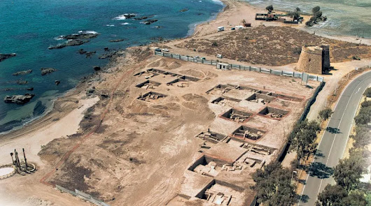 Ecologistas y vecinos se manifiestan contra las obras en el yacimiento de Baria