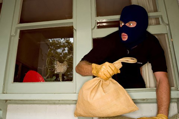 Nằm mơ thấy ăn trộm là báo hiệu điều gì