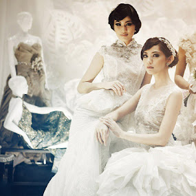 Lovely Bride by Al Mansur - Instagram & Mobile Instagram ( instafashion, fashionphotography, fashion, glamour, bridal, bride, wedding, weddinggown, model, catwalk, runway, instabest, instaphoto, instamood, instadayli, statigram, webstagram, oriental, chinesemodel, photowall, all_shot )