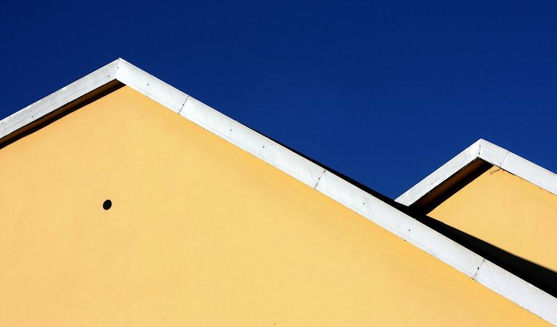 Sotto a un cielo blu cobalto di paolo-spagg