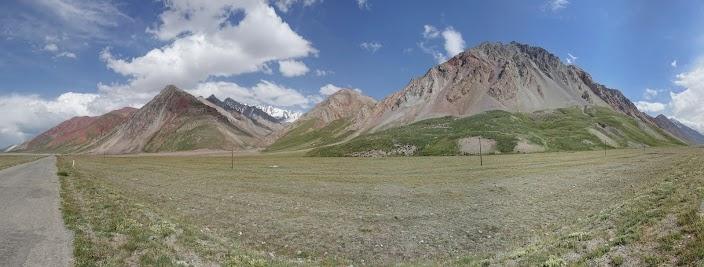 Eine völlig andere Landschaft als in Tadschikistan.