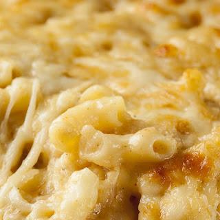 Slow Cooker Mac 'n Cheese.