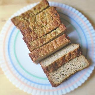 {Grain-free} Lemon Poppy Seed Zucchini Bread
