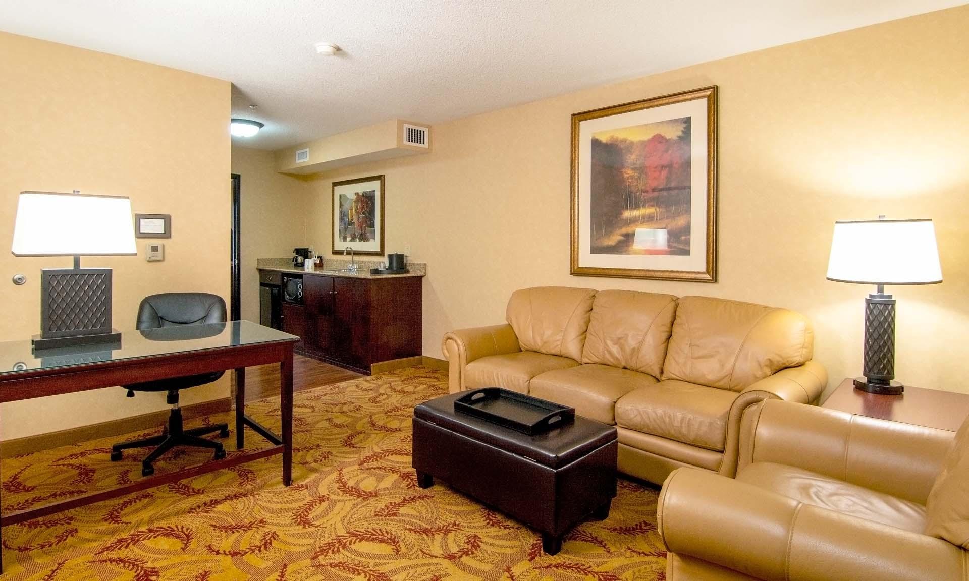 Salem Hotel Suites The Grand Hotel In Salem