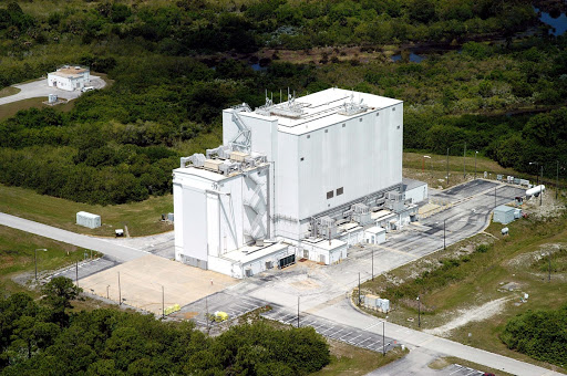 An aerial photo of the Vertical Processing Facility which processes and integrates vertical payloads and upper stages.