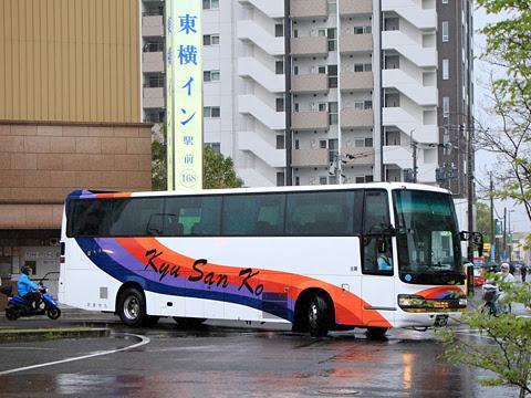 九州産交バス「なんぷう号」 ・417 熊本駅前にて