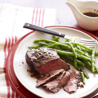 Red Wine Steaks with Green Beans